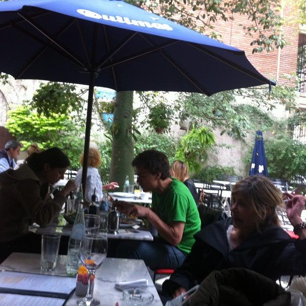 Foto scattata a Museo Evita Restaurant & Bar da Grant D. il 5/2/2013