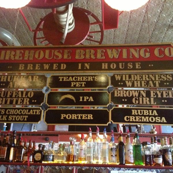 รูปภาพถ่ายที่ Firehouse Brewing Company โดย Sean M. เมื่อ 6/17/2013