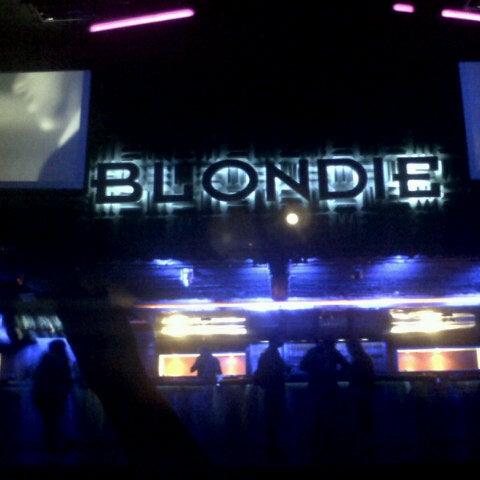 รูปภาพถ่ายที่ BLONDIE โดย Franco C. เมื่อ 12/14/2012