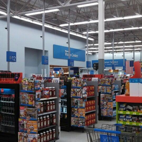 11/5/2013 tarihinde Larry S.ziyaretçi tarafından Walmart'de çekilen fotoğraf
