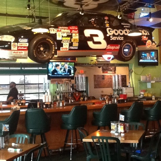 Photos At Quaker Steak Lube Wings Joint In Council Bluffs