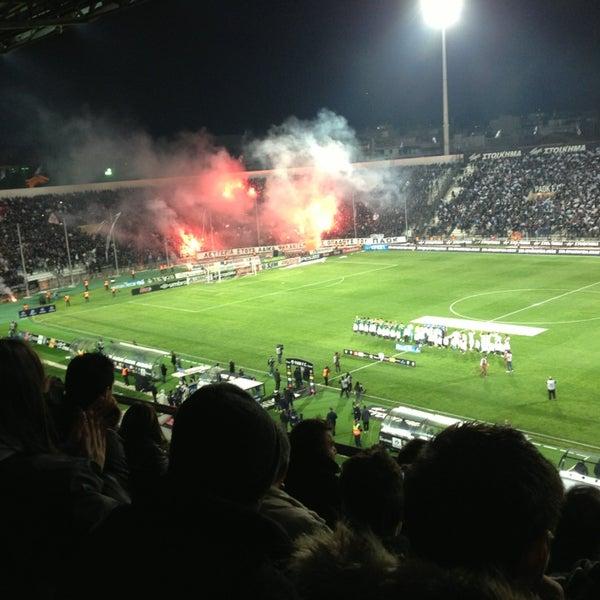 รูปภาพถ่ายที่ Toumba Stadium โดย Enydreio L. เมื่อ 3/17/2013