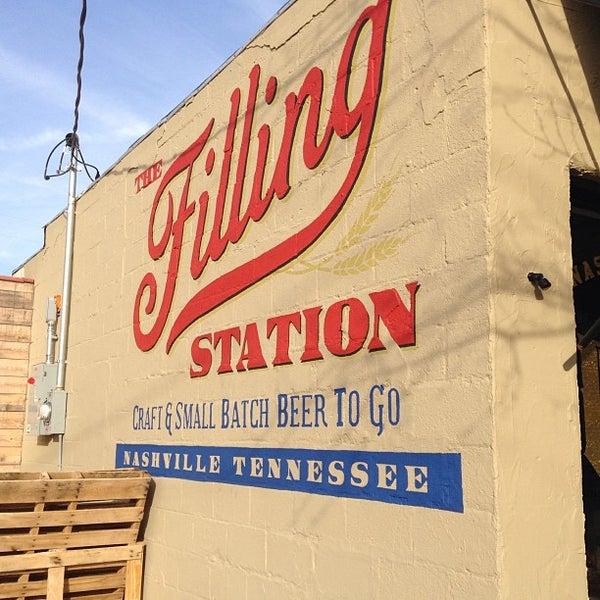 Photo prise au The Filling Station par Tarek P. le12/30/2012