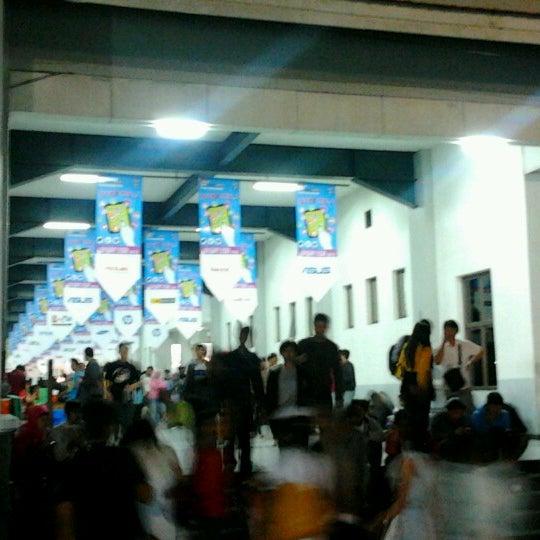 Das Foto wurde bei Jogja Expo Center (JEC) von Daniele G. am 10/1/2012 aufgenommen