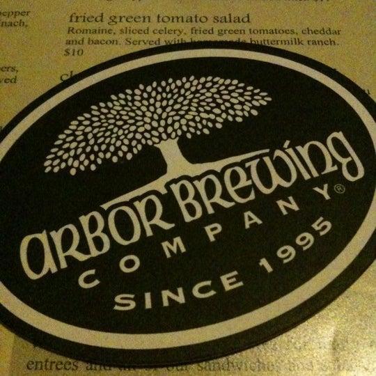 Foto tomada en Arbor Brewing Company por Liana Y. el 12/17/2012
