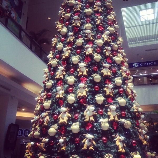 Das Foto wurde bei Portones Shopping von Samyra B. am 3/10/2013 aufgenommen
