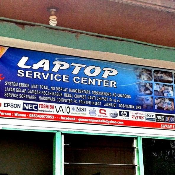 Photos At Laptop Service Center Electronics Store
