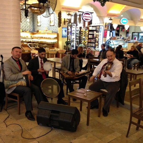 Das Foto wurde bei ACity Premium Outlet von Ramço Ç. am 2/22/2013 aufgenommen