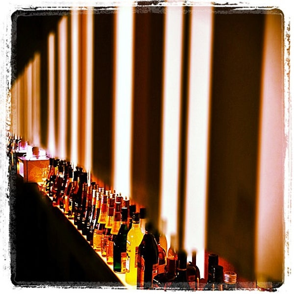 รูปภาพถ่ายที่ Shishas Sferum Bar โดย Влад И. เมื่อ 6/12/2013