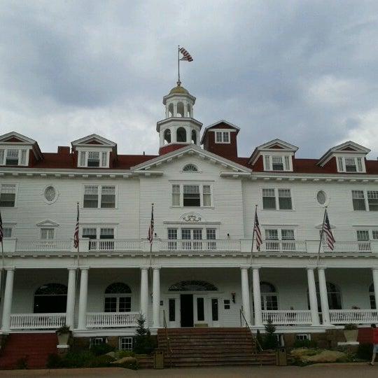 Снимок сделан в Stanley Hotel пользователем Amber H. 9/23/2012