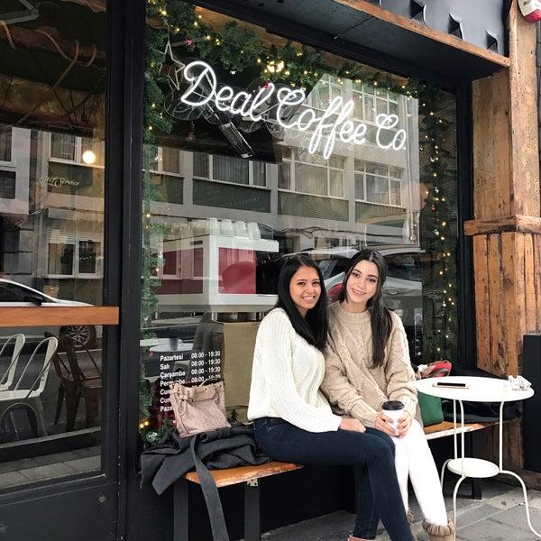 Foto tirada no(a) Deal Coffee Ekspress por Berna A. em 12/22/2016