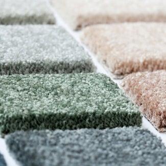 Das Foto wurde bei Cramers Carpet One Floor & Home von Aigee M. am 8/2/2017 aufgenommen