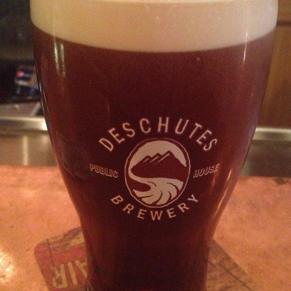 Снимок сделан в Deschutes Brewery Bend Public House пользователем Dieselboi B. 10/1/2013