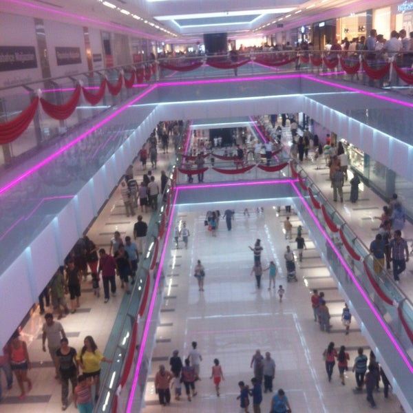 Photo prise au MarkAntalya par Nilüfer V. le8/30/2013