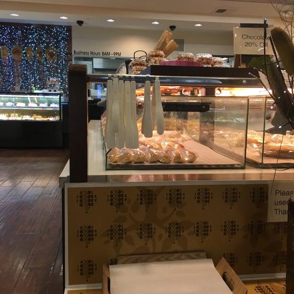 Good Bakery In Los Angeles: Bakery In Wilshire Center