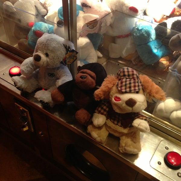 3/26/2013 tarihinde G Ö K S E LA K G Ü Nziyaretçi tarafından Fantasyland Oyun Merkezi & Coffee'de çekilen fotoğraf