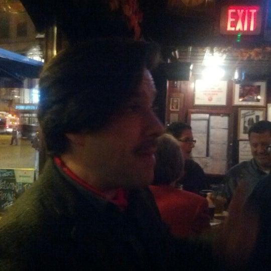Foto diambil di Pippin's Tavern oleh Doug V. pada 11/10/2012