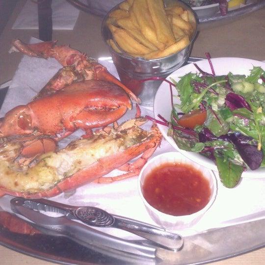 Foto scattata a Big Easy Bar.B.Q & Crabshack da Jenni T. il 11/9/2012