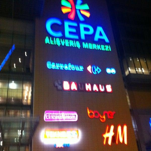 Foto tirada no(a) Cepa por Gözde Ö. em 2/17/2013