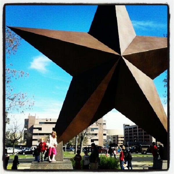 2/23/2013 tarihinde Christopher C.ziyaretçi tarafından Bullock Texas State History Museum'de çekilen fotoğraf