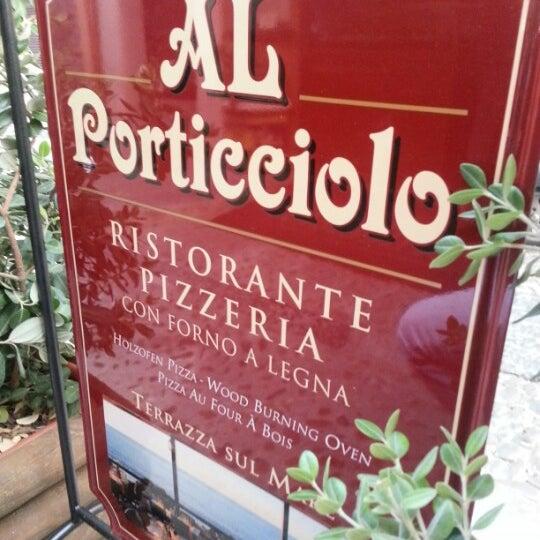 Foto tomada en Al Porticciolo por Rosario G. el 9/19/2012