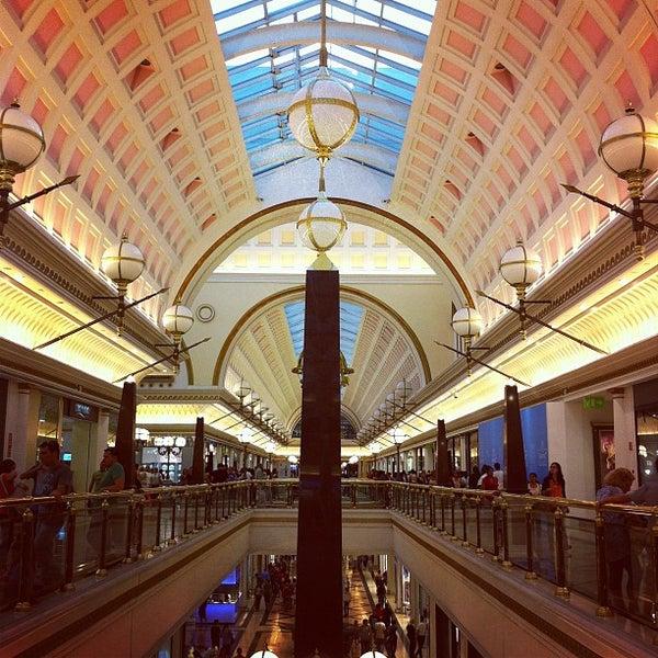 Foto tomada en Centro Comercial Gran Vía 2 por Toni T. el 10/6/2012