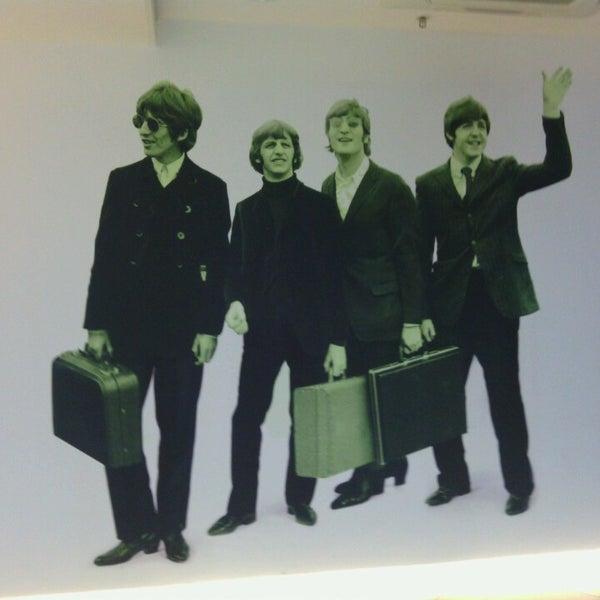 รูปภาพถ่ายที่ Liverpool John Lennon Airport (LPL) โดย Nadia L. เมื่อ 3/20/2013