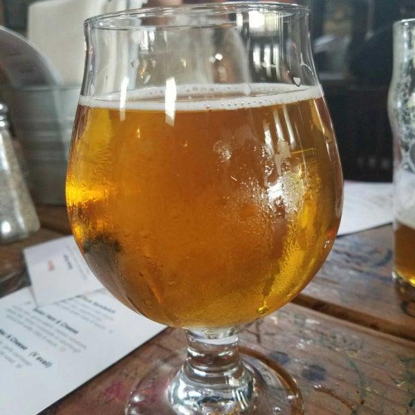 Снимок сделан в Kinetic Brewing Company пользователем Joe C. 9/4/2017
