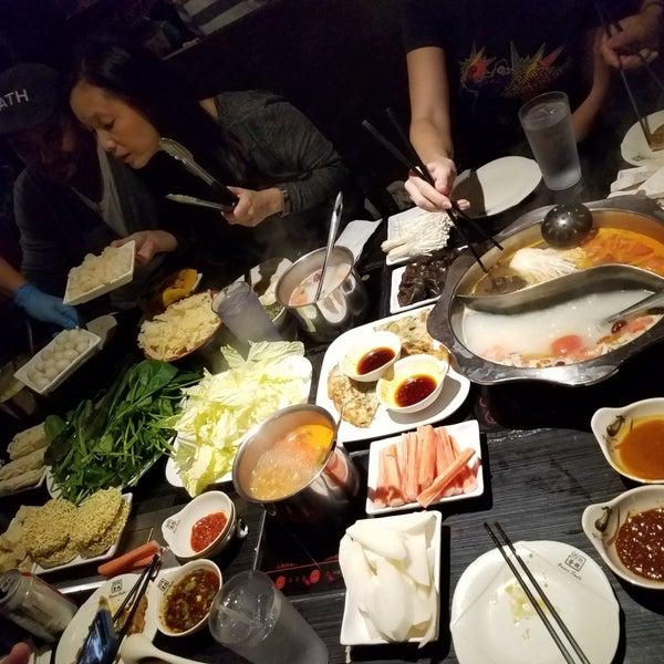 Foto diambil di 99 Favor Taste 99號餐廳 oleh Christina C. pada 11/18/2019