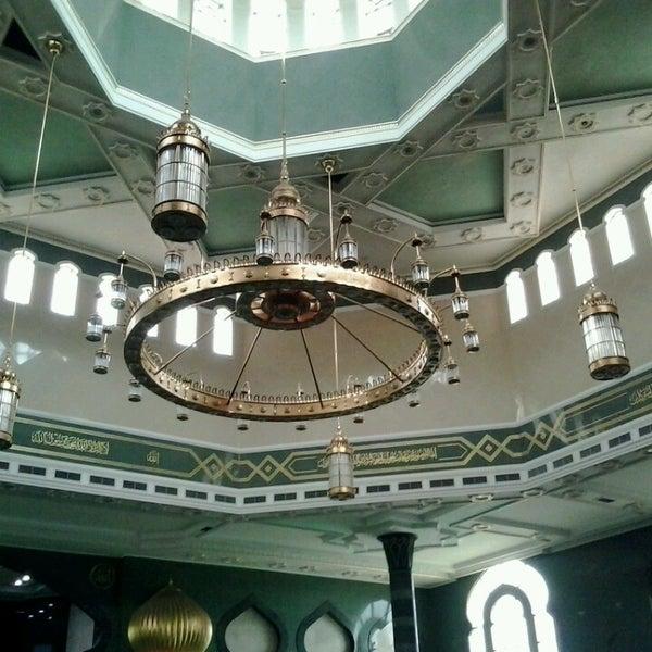 3/1/2014 tarihinde Syahmi S.ziyaretçi tarafından Masjid Al-Ameerah Al-Hajjah Maryam, Kg Jerudong'de çekilen fotoğraf