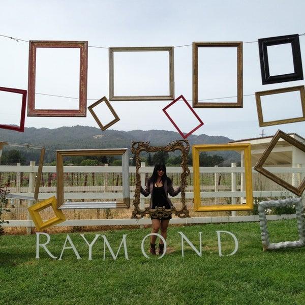 Photo prise au Raymond Vineyards par Jen C. le5/15/2013
