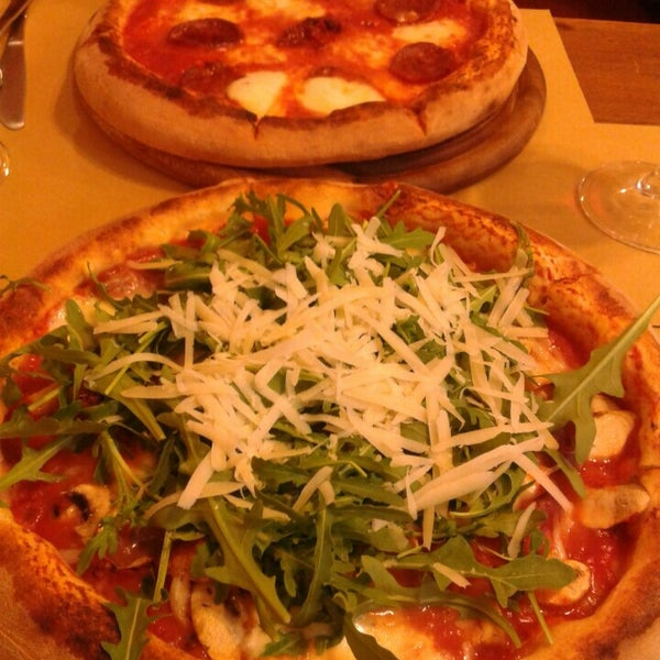 Photo taken at I' Pizzacchiere by Gaetan V. on 4/24/2015