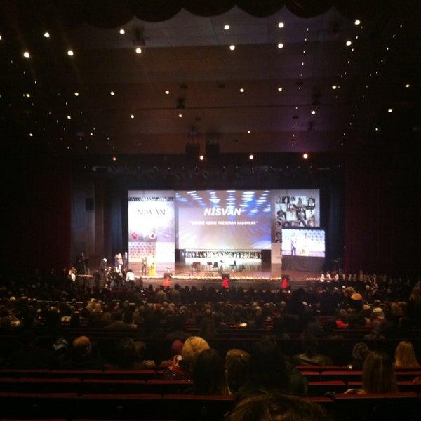 Das Foto wurde bei İstanbul Kongre Merkezi von Hakan T. am 12/27/2012 aufgenommen