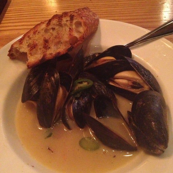 Get the mussels! Best I've ever had!!!