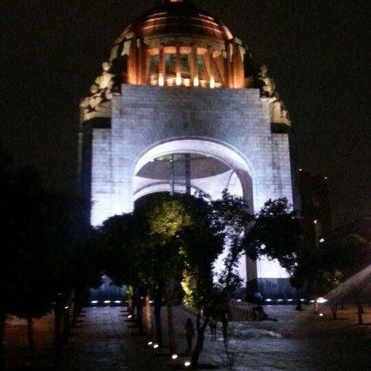 Foto tomada en Monumento a la Revolución Mexicana por Dave L. el 7/21/2013