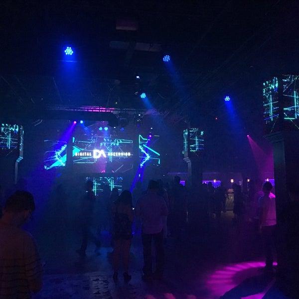 Das Foto wurde bei Foundation Nightclub von Josh v. am 5/18/2018 aufgenommen