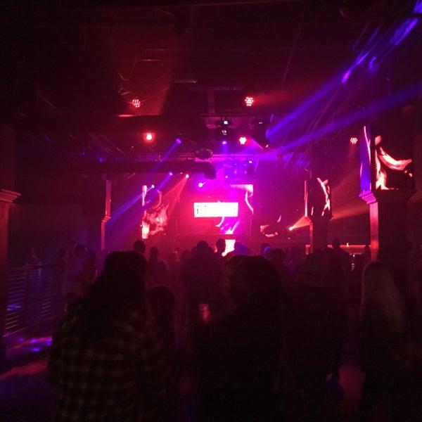 Das Foto wurde bei Foundation Nightclub von Josh v. am 10/15/2017 aufgenommen