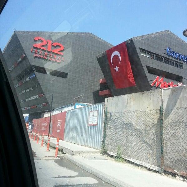 Foto tirada no(a) 212 İstanbul Power Outlet por Duygu K. em 4/23/2013