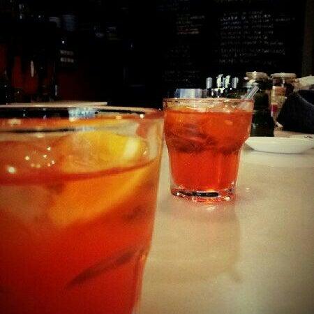 Photo prise au Jonny Aldana Bar par Xavier M. le9/16/2012