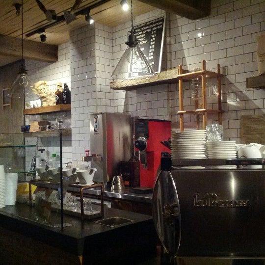 10/29/2012にAmandaがNolita Mart & Espresso Barで撮った写真