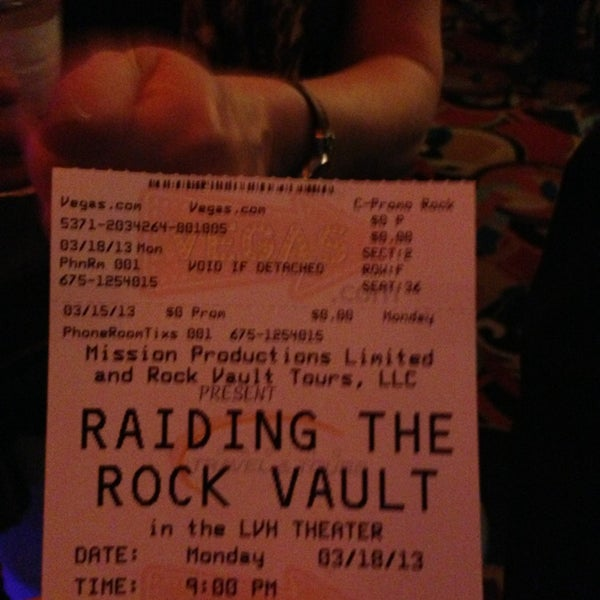 Foto diambil di LVH - Las Vegas Hotel & Casino oleh Debbie pada 3/19/2013
