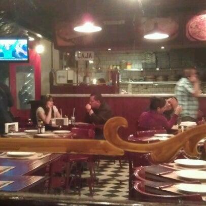 Foto tomada en Central de Pizzas por Willy S. el 1/8/2013