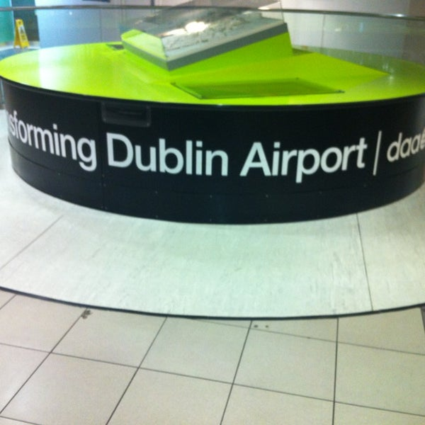 Foto tirada no(a) Aeroporto de Dublin (DUB) por Mitja R. em 1/22/2013