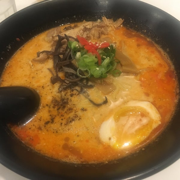 Foto tirada no(a) Chibiscus Asian Cafe & Restaurant por louda b. em 1/29/2018