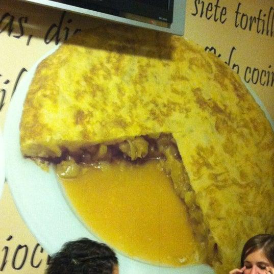 Foto tirada no(a) Bar El Poteo de Sancho (ant. Txiki) por Tònho em 10/11/2012