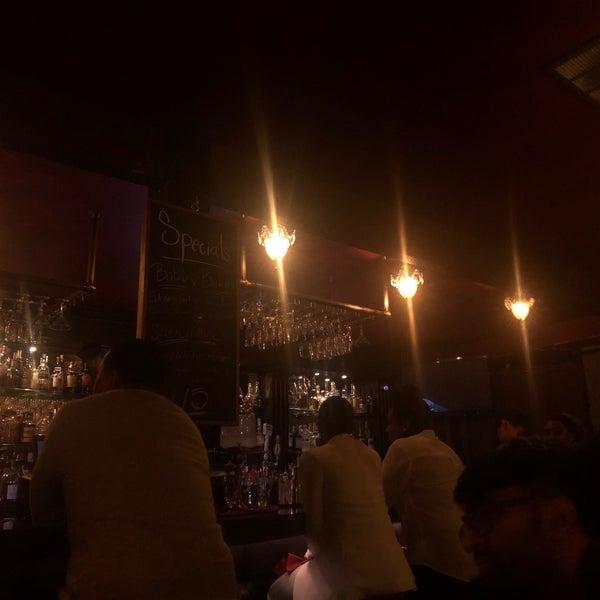 Foto tomada en Seventy7 Lounge por Sameera J. el 2/13/2019