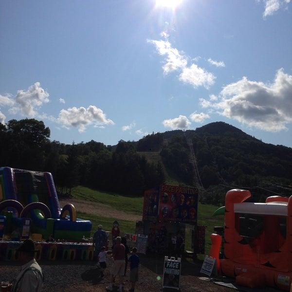 Das Foto wurde bei Mountain Jam von Lionel S. am 8/9/2014 aufgenommen