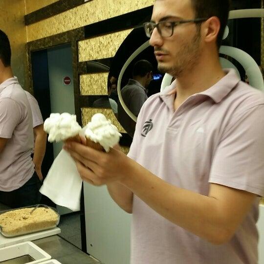 7/21/2014 tarihinde Mehmet Sait Ö.ziyaretçi tarafından A&D Özkaymak Dondurmaları'de çekilen fotoğraf
