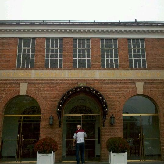 10/4/2012 tarihinde Carmen K.ziyaretçi tarafından National Baseball Hall of Fame and Museum'de çekilen fotoğraf