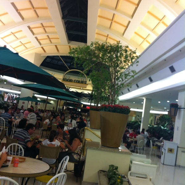4/14/2013 tarihinde Claudio B.ziyaretçi tarafından Shopping Iguatemi'de çekilen fotoğraf